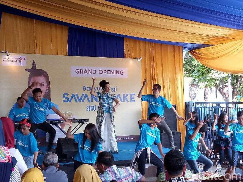 Fitri Carlina Promosikan Destinasi Wisata Banyuwangi Melalui Cake