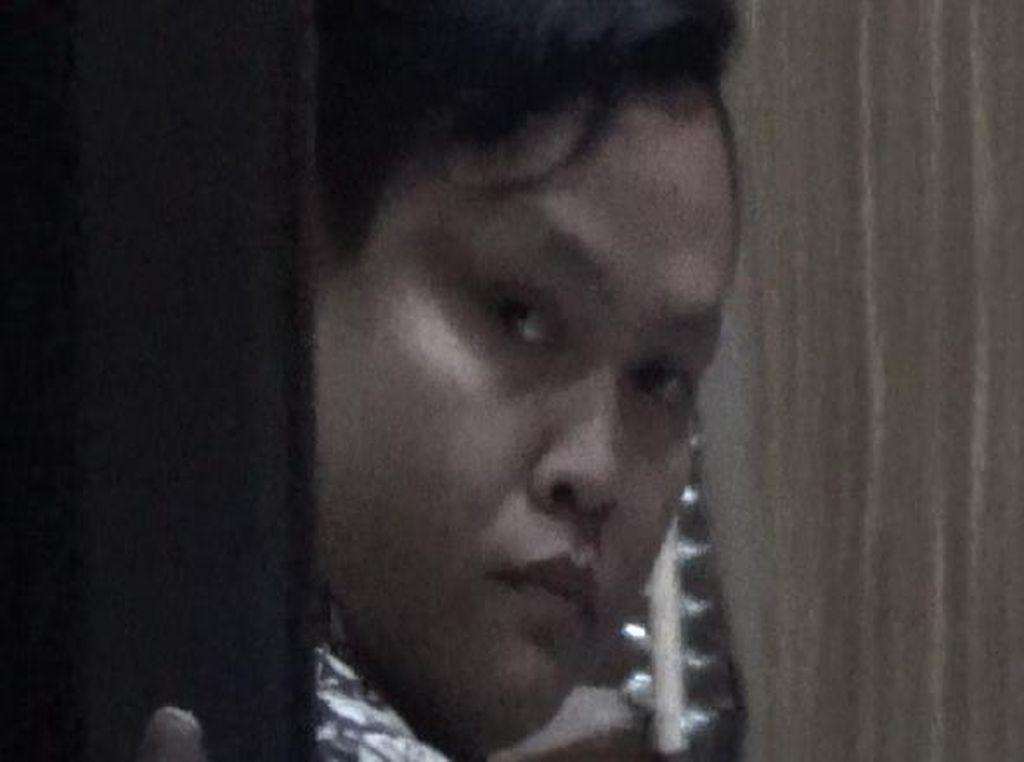 Kurir JNE Pembuang Kartu KIS Ditahan Setelah Jalani Pemeriksaan