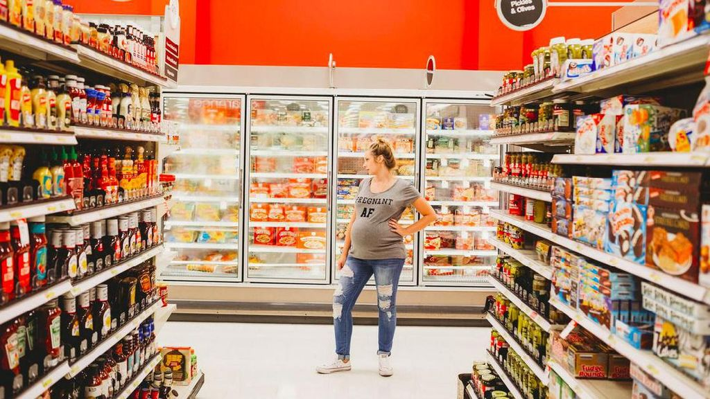 Foto: Cekidot! Maternity Photoshoot Seorang Ibu di Supermarket