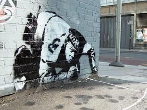 Satu Dekade Menghilang, Karya Seni Banksy Ditemukan Lagi