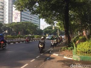 Protes Netizen Soal Motor Mau Dilarang Lewat Rasuna Said