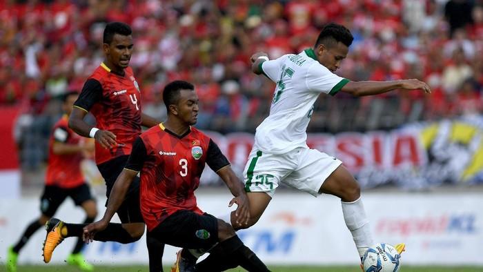 Osvaldo Haay yang menempati pos sayap kiri Indonesia (ANTARA FOTO/Sigid Kurniawan)