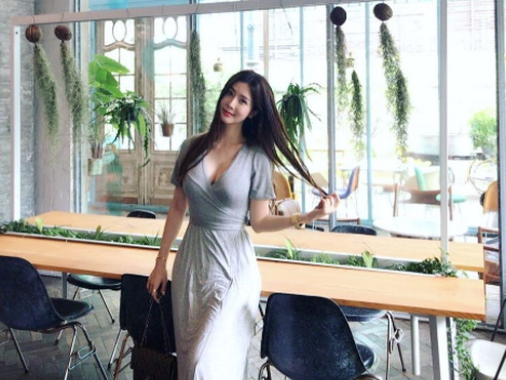 Terpikat Aksi Blogger Korea Seksi