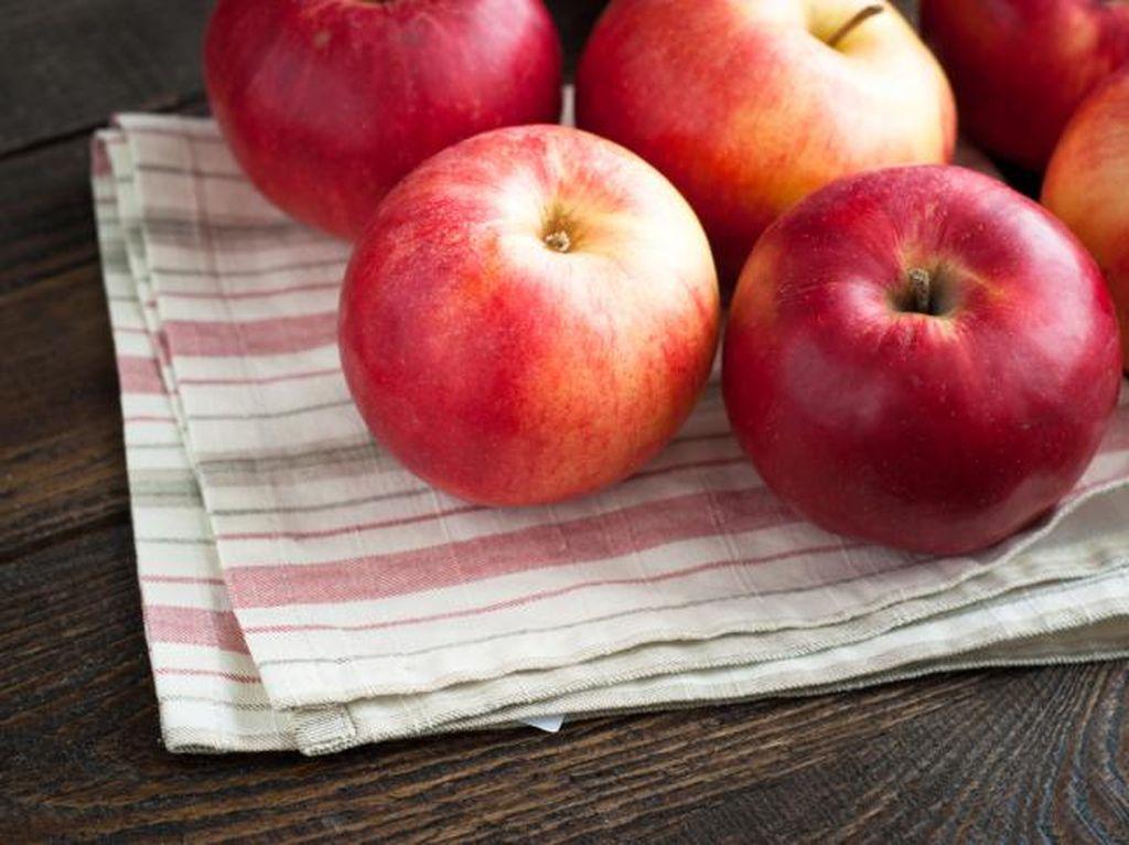 Demi Peroleh Manfaat Kesehatan yang Maksimal, Ini Waktu Ideal Makan Apel