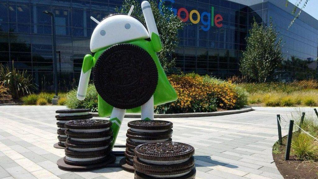 Momen Ketika Maskot Android Hadir di Markas Google