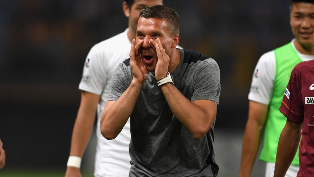 Lukas Podolski Berencana Tuntut Sebuah Media atas Kasus Salah Foto