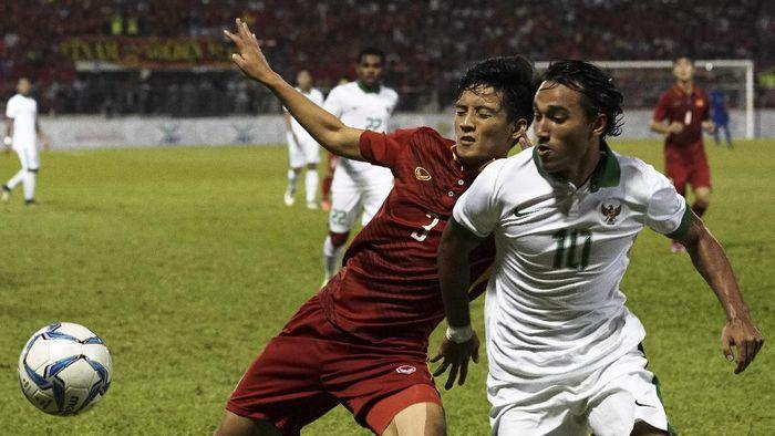 Ezra Walian menunggu kepastian di Timnas Indonesia U-23. (Wahyu Putro A/Antara)