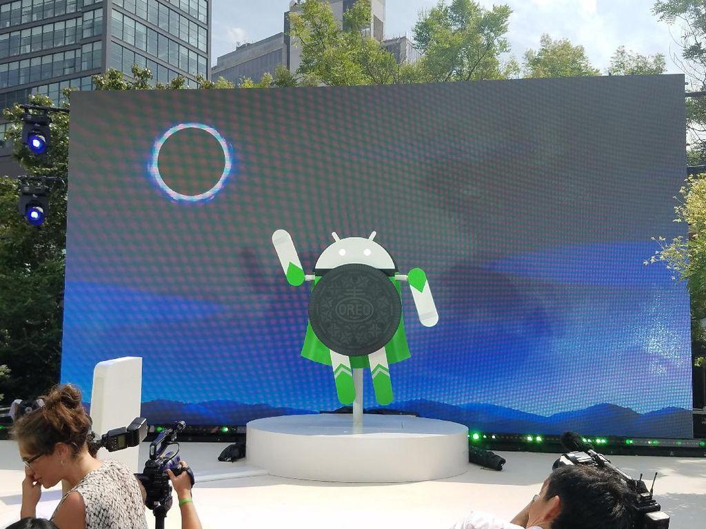 Bukan Opor Ayam, Android 8.0 Bernama Oreo