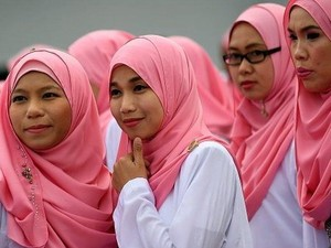 Muslimah Malaysia Jadi Sasaran Serangan Brutal di Medsos