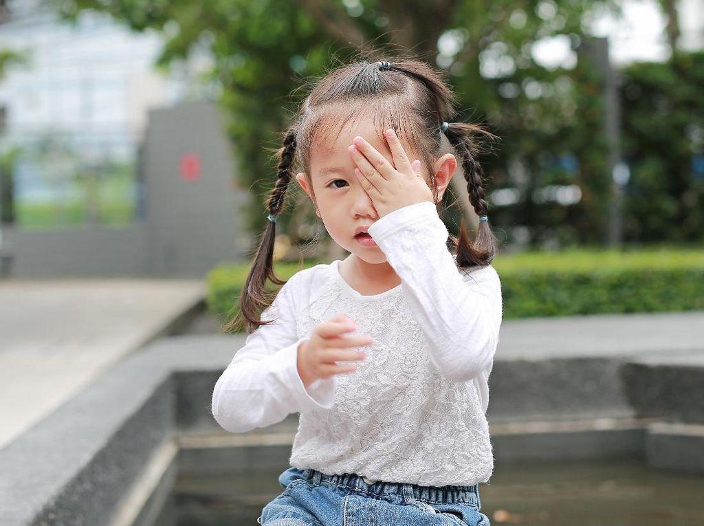 Nekat Lihat Matahari, Gadis 12 Tahun Alami Kerusakan Mata Permanen