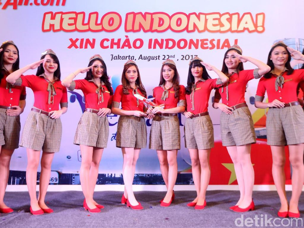 Penerbangan Perdana Vietjet ke Bali Disambut Flashmob