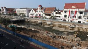 Foto: Renovasi Kali Krukut di 'Little Amsterdam' Jakarta
