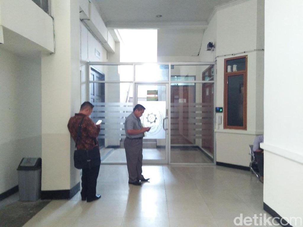 Pasca-OTT Panitera Pengganti, Pejabat PN Jaksel Gelar Rapat