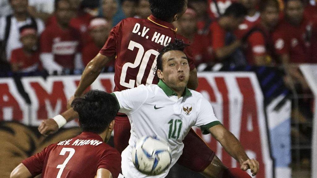 Siasat-siasat Luis Milla di Laga Indonesia vs Kamboja