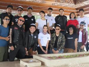 Cerita Omesh Cs Saat Berkunjung ke Makam Bung Karno