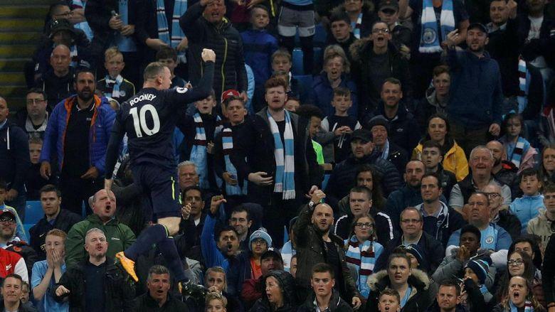 Rooney Cetak Gol ke-200-nya di Premier League