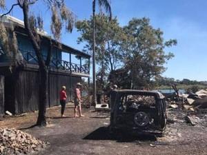 Miliarder Inggris Tawarkan Pulau Pribadi Untuk Korban Kebakaran