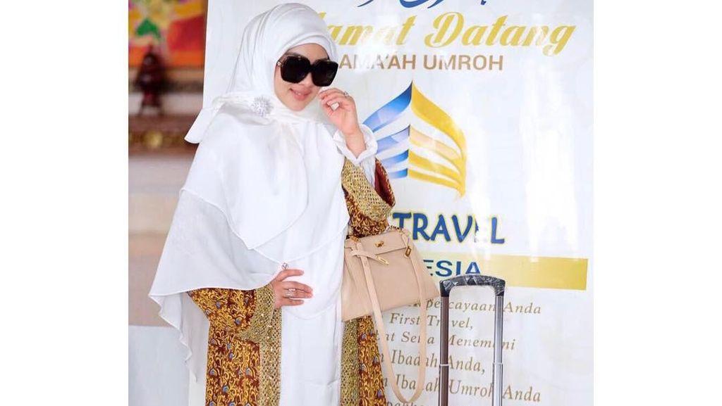 Diungkap di Sidang, Begini Potret Syahrini Saat Umrah First Travel