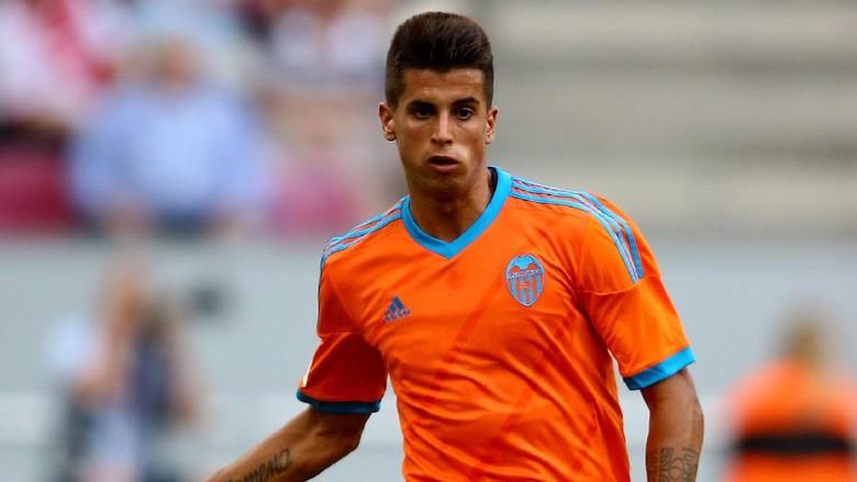 Inter Pinjam Joao Cancelo dari Valencia