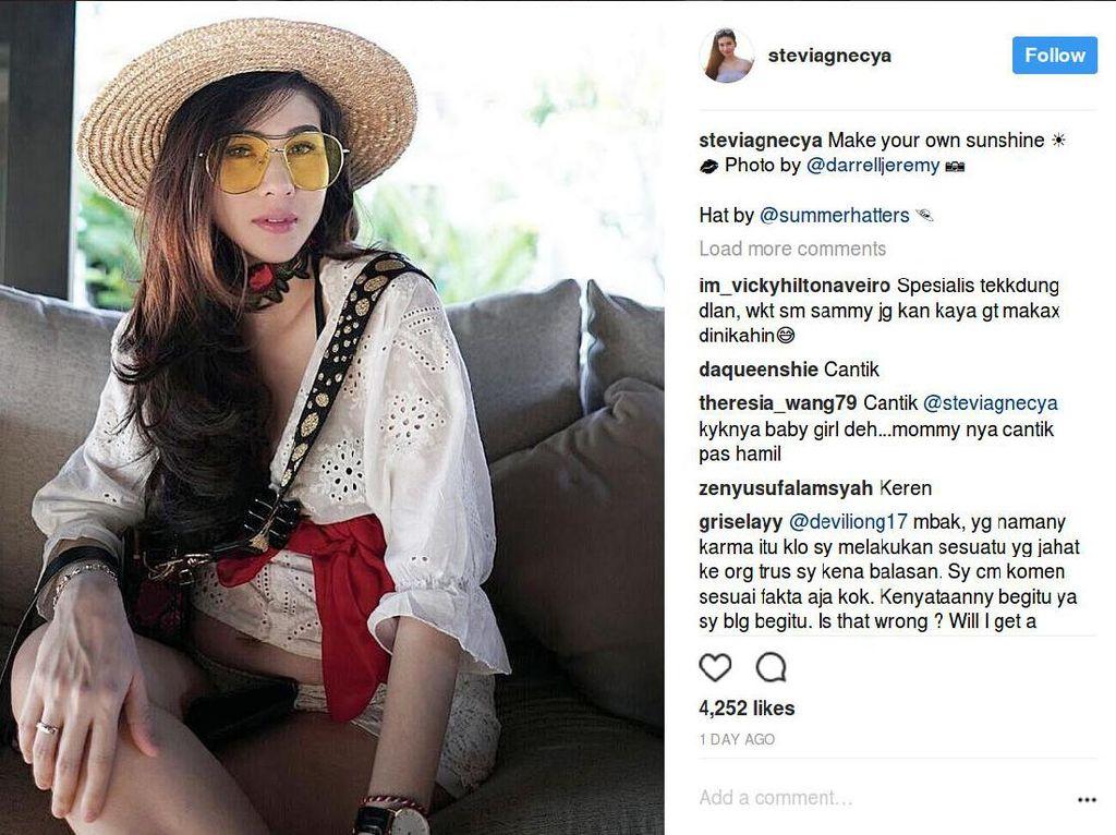 Sebulan Nikah dengan Pilot, Mantan Istri Samuel Rizal Pamer Perut Buncit