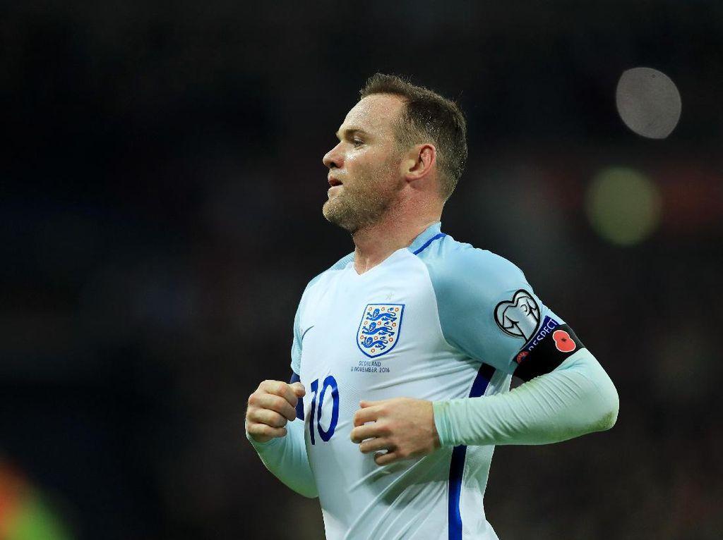 Rooney Prediksi 2-3 Tahun Lagi Kane Lewati Rekor Golnya di Timnas