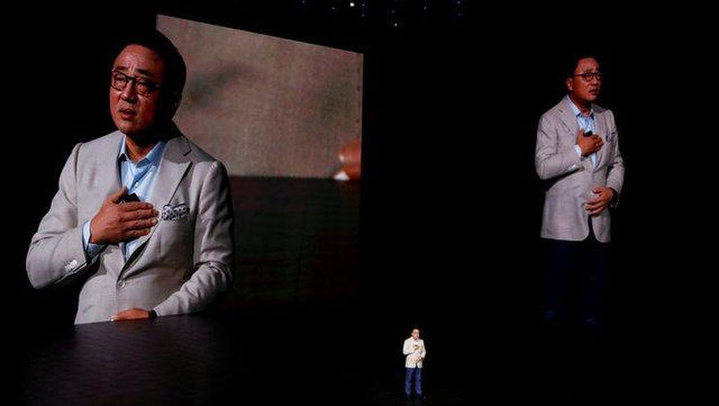 Momen Bos Samsung Minta Maaf dan Hadirkan Penebus Dosa