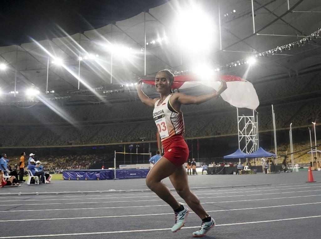 Triyaningsih Sabet Medali Emas di Nomor 10.000 Meter