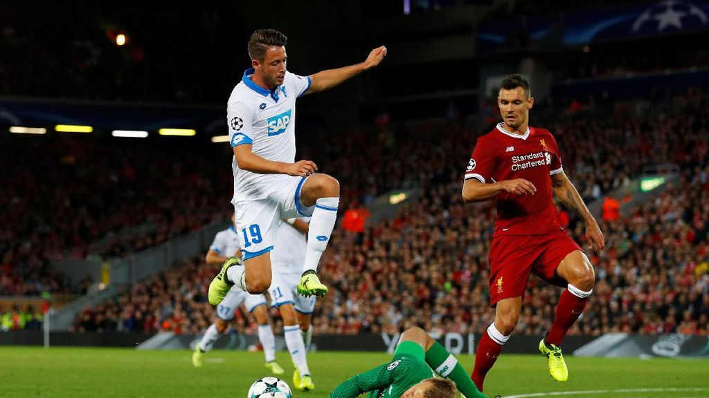 Kepantasan Lovren Jadi Bek Inti Liverpool Dipertanyakan (Lagi)