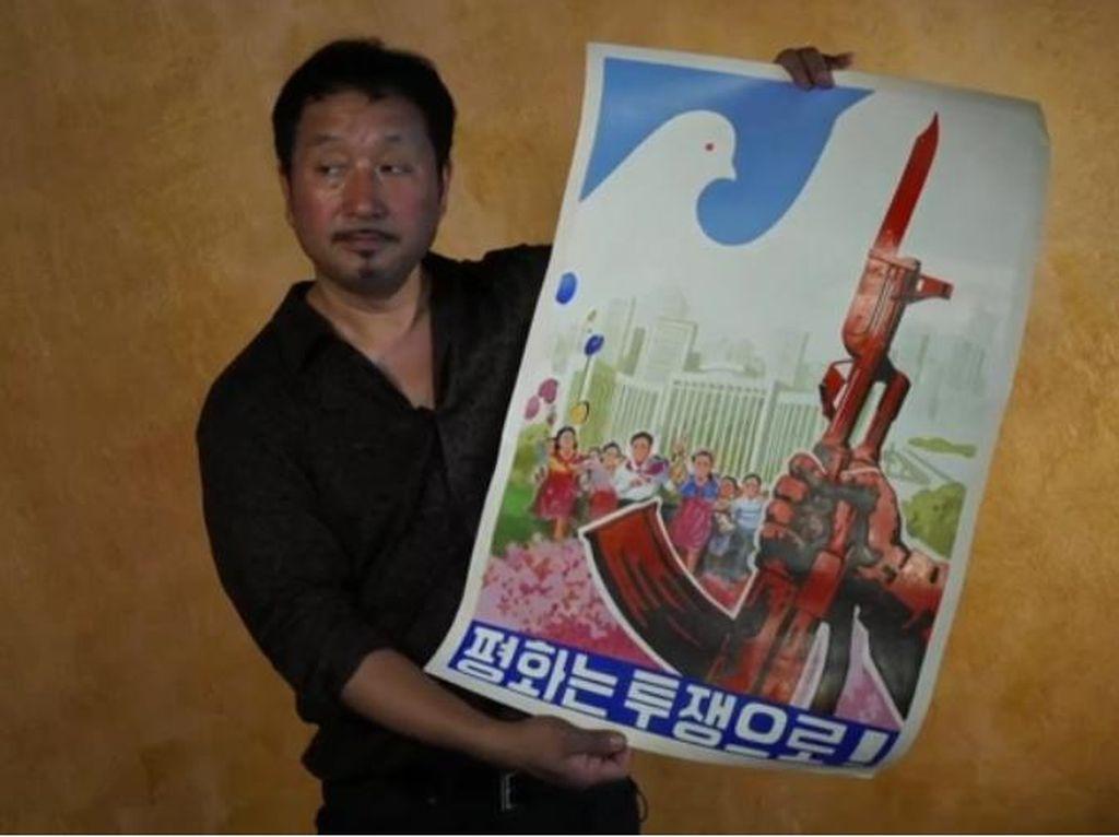 Ini Dia Kolektor 300 Seni Propaganda Korea Utara