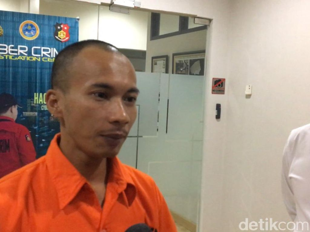 Lebih Berat, Hakim PT Riau Vonis Bos Saracen Jasriadi 2 Tahun Bui