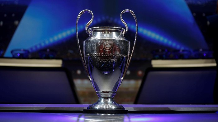Soccer Football - Champions League Group Stage Draw - Monaco - August 24, 2017   General view during the draw   REUTERS/Eric Gaillard