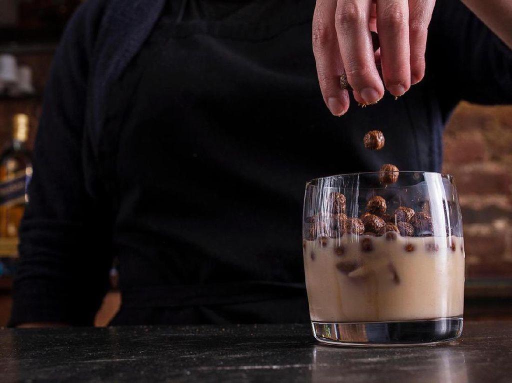 Sereal Diracik Menjadi Cereal Cocktail, Kayak Apa Rasanya Ya?