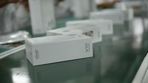 Mengintip Proses Pembuatan Ponsel Vivo