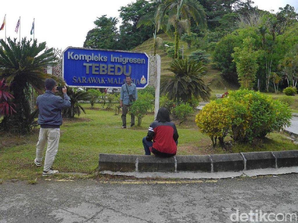 Jalan Kaki dari Indonesia Menyeberang ke Malaysia