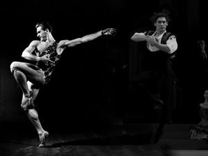 Suka Duka di Balik Penari Balet Pria