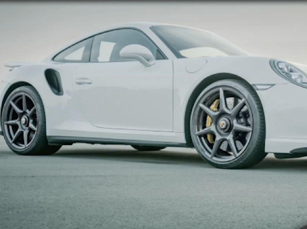 Porsche Perkenalkan The New 20-inch 911 Turbo Carbon Wheel