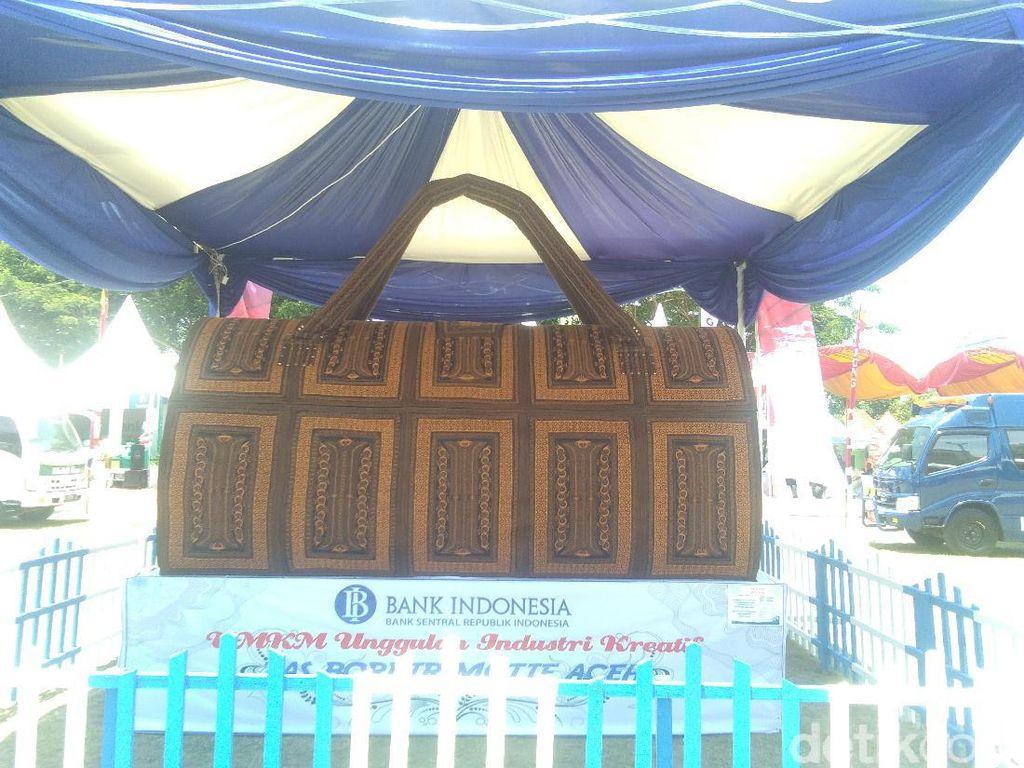 Tas Raksasa Ini Cuma Ada di Aceh