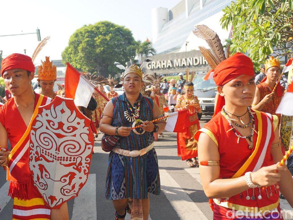 Warna-warni Parade ASEAN 50 yang Sedot Perhatian
