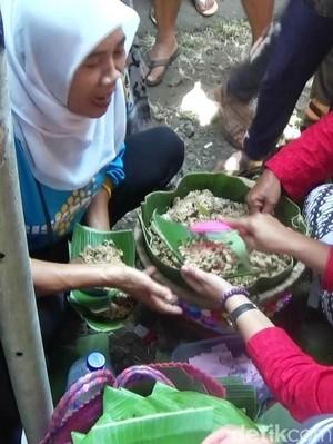 Ribuan Orang Serbu Festival Nasi Megono di Purworejo