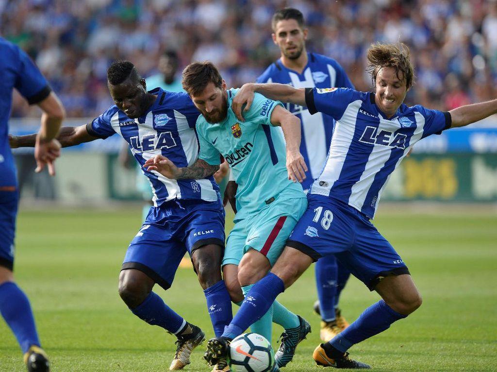 Messi Antar Barca Benamkan Alaves