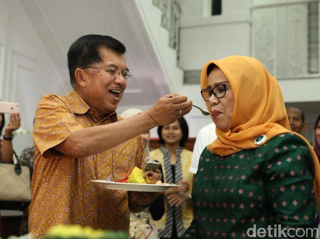 50 Tahun Menikah, Ini Momen-momen Kebersamaan JK-Mufida