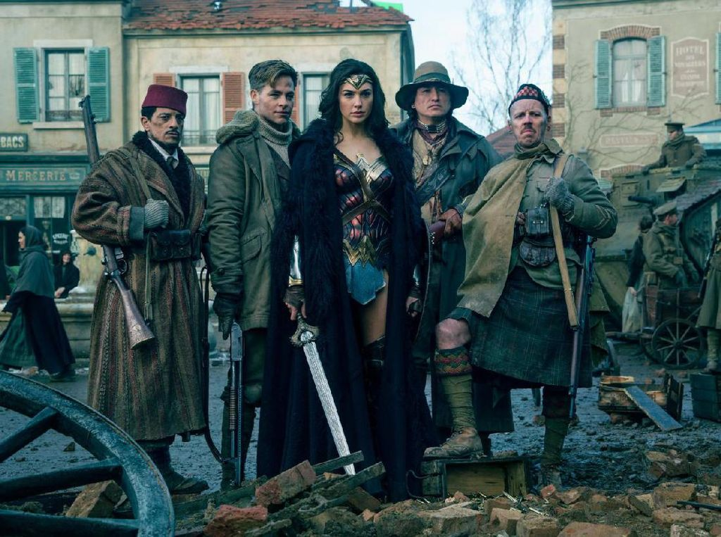 Kembali untuk Wonder Woman 2, Patty Jenkins Terima Bayaran Lebih Tinggi