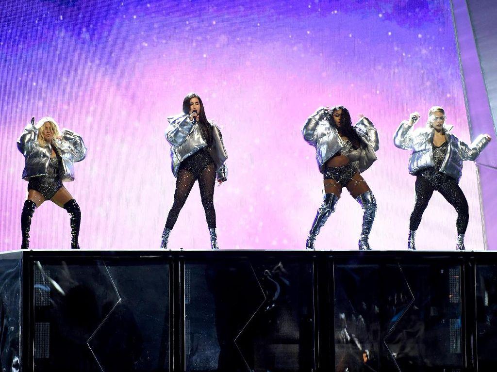 Sam Smith dan Tangisan Fans karena Fifth Harmony Hiatus