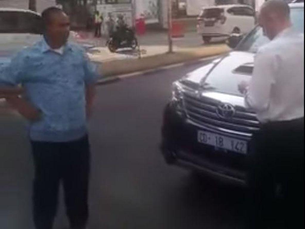 Sopir Taksi This is Indonesia Kena Sanksi dari Blue Bird