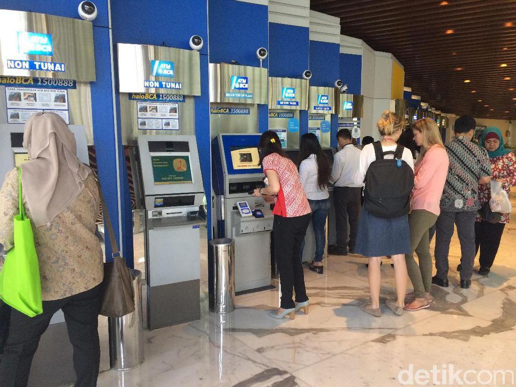 Anti Ribet Ribet Club! Kini Ganti Kartu ATM Tak Perlu Datang ke Bank