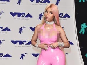 Datang ke MTV VMA 2017, Nicki Minaj Kenakan Busana Latex Ketat