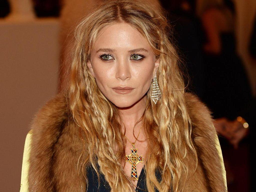 Mary-Kate Olsen Ceraikan Suami yang Beda Usia 17 Tahun, Diusir dari Rumah