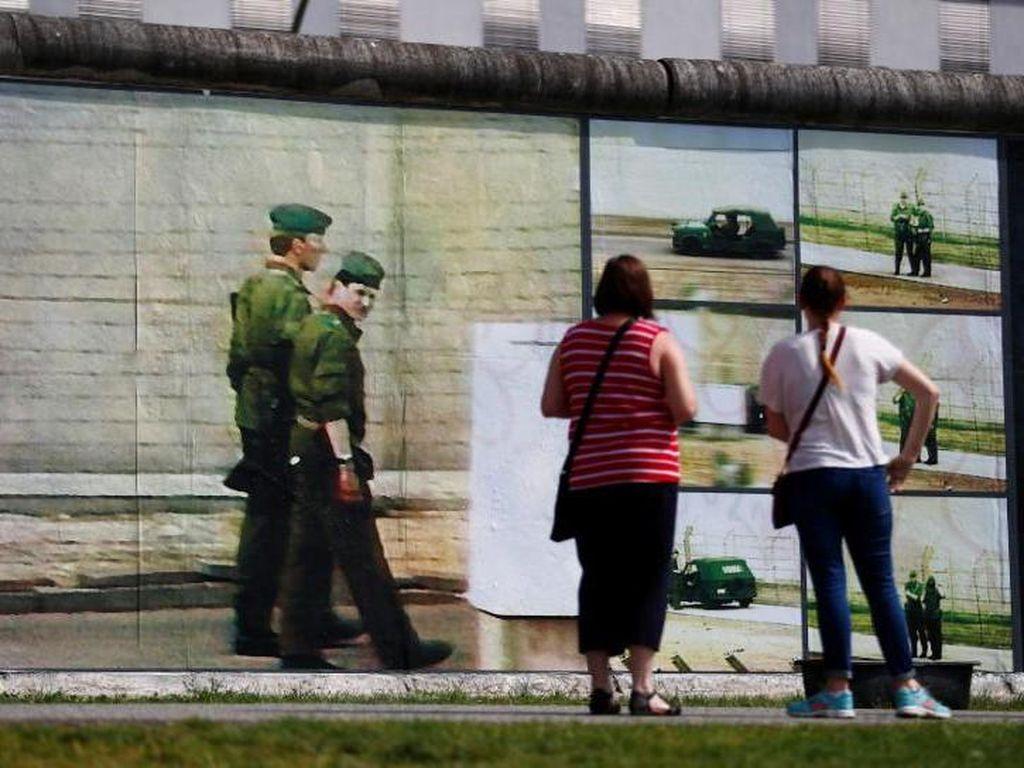 Karya Seni Beyond the Wall Ceritakan Momen Kelam di Balik Tembok Berlin
