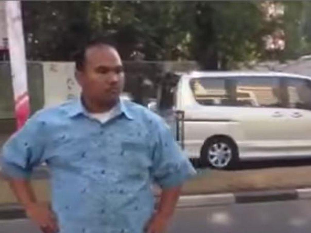 Sopir Taksi Marah-marah ke Bule, Ini Penjelasan Blue Bird