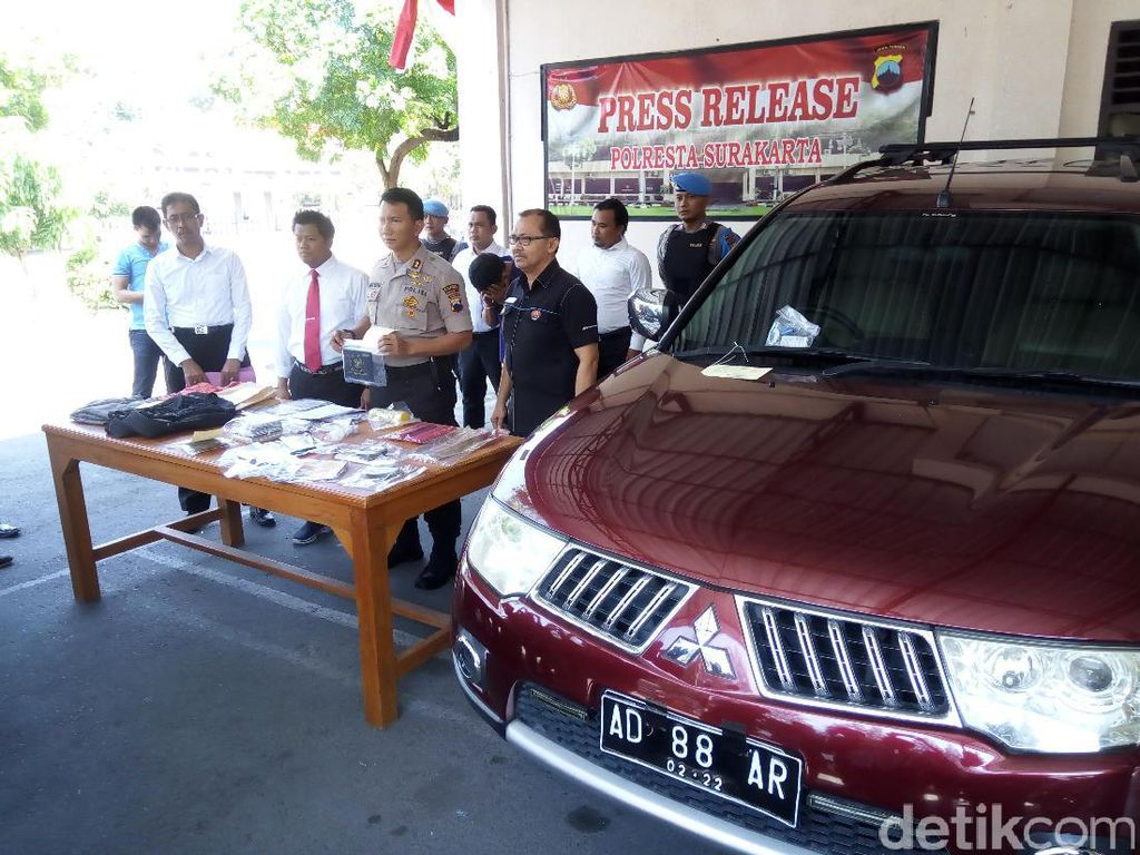 Polisi Tangkap Pencuri Mobil Istri Raja Keraton Surakarta